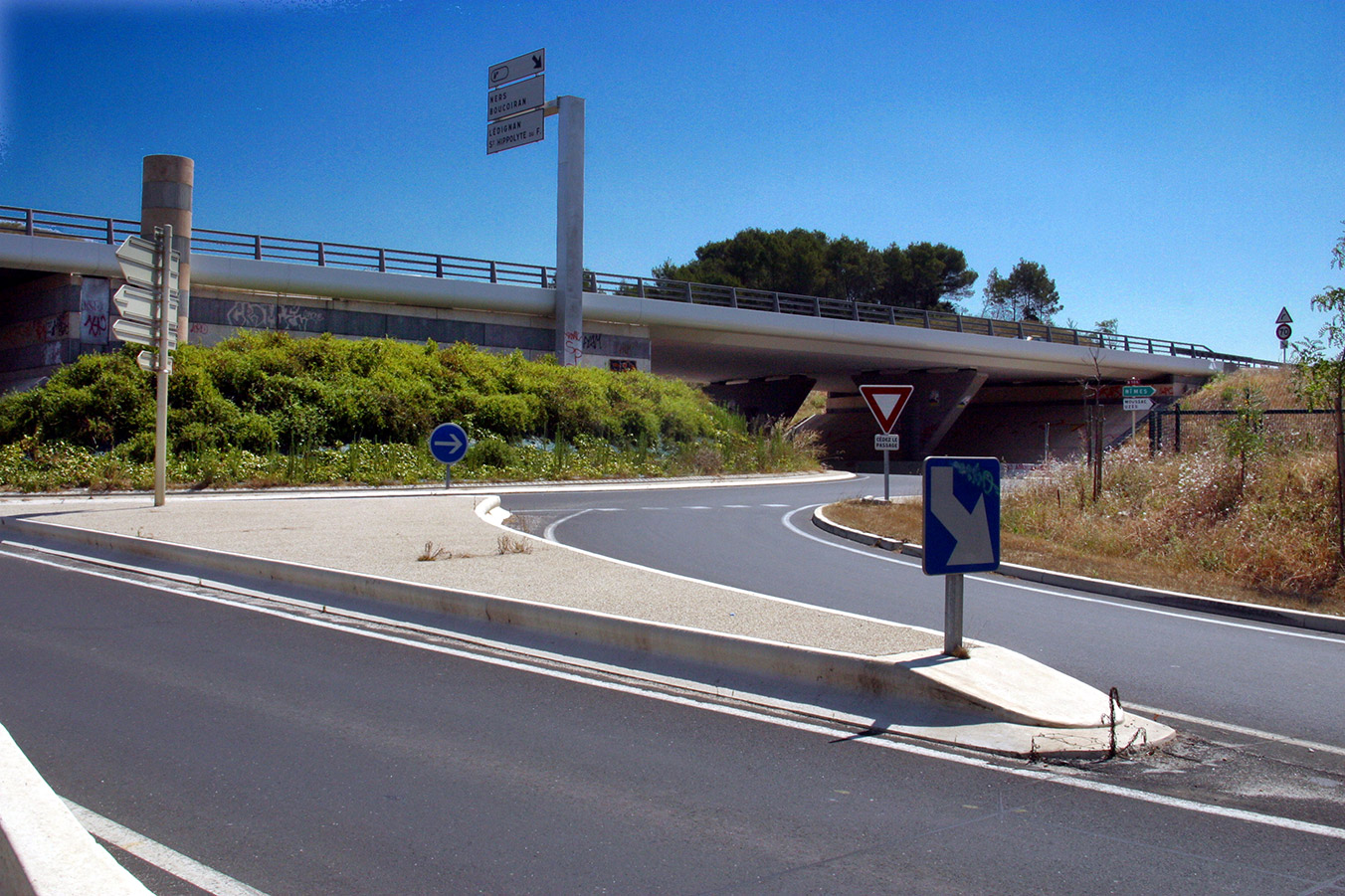 Le bureau de normalisation des transports des routes et de leurs