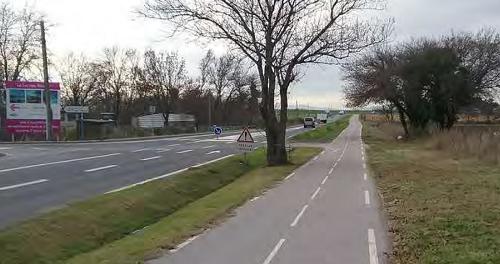 Aménagement cyclable en interurbain avec une piste séparée de la route