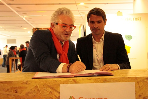 Signature de la convention Logiroad