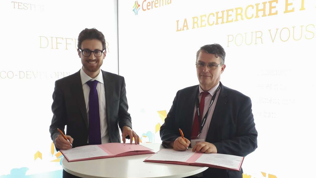 Signature de la convention avec AQC