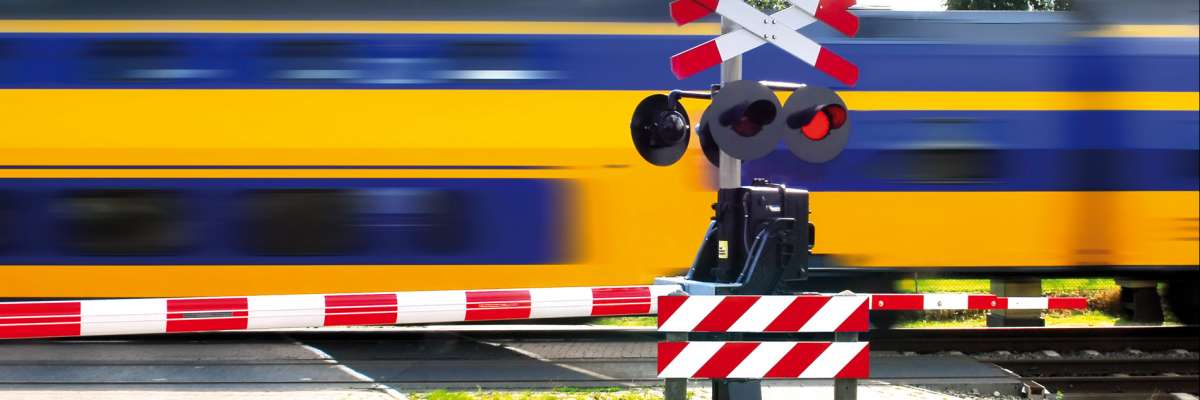 SAFER Level Crossing by integrating and optimizing road-rail infrastructure management and design (SAFER-LC)